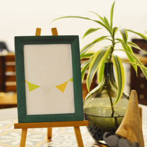 3.PICTURE FRAME WITH EASEL STAND (1)